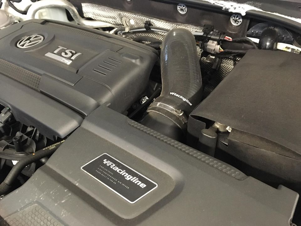 E888 2.0TSI engine in a MK7.5 Golf R fitted with a R600 Racing Line INtake